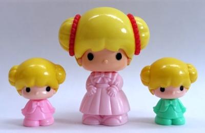通常サイズこえだちゃんのお人形とプチこえだちゃんのお人形